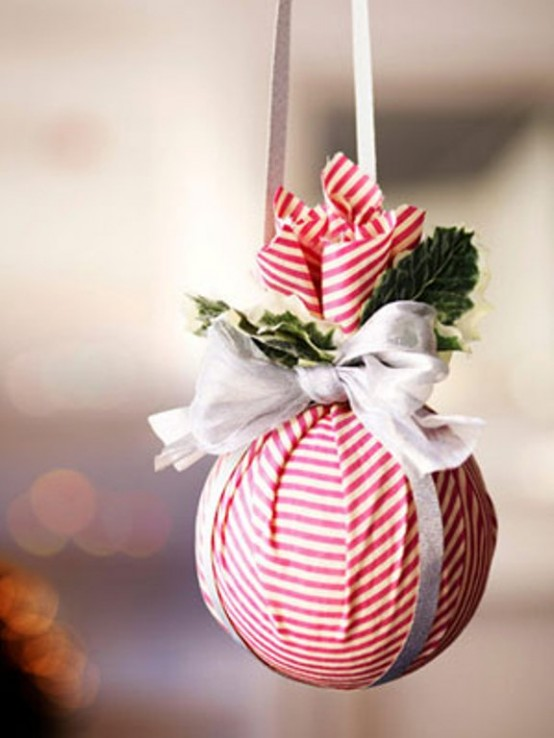 51 Awesome Ways To Use Christmas Balls and Ornaments In Decor .