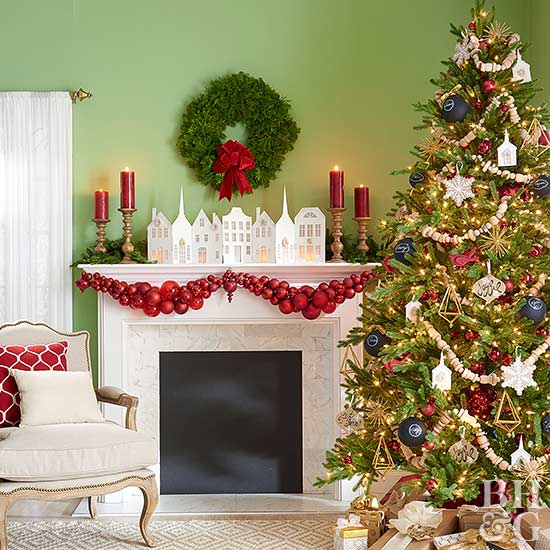 41 Pretty Ways to Decorate Your Mantel for Christmas | Better .