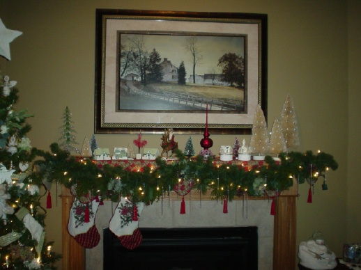 Mantel Christmas Decorating Ideas | Modern Home Desi