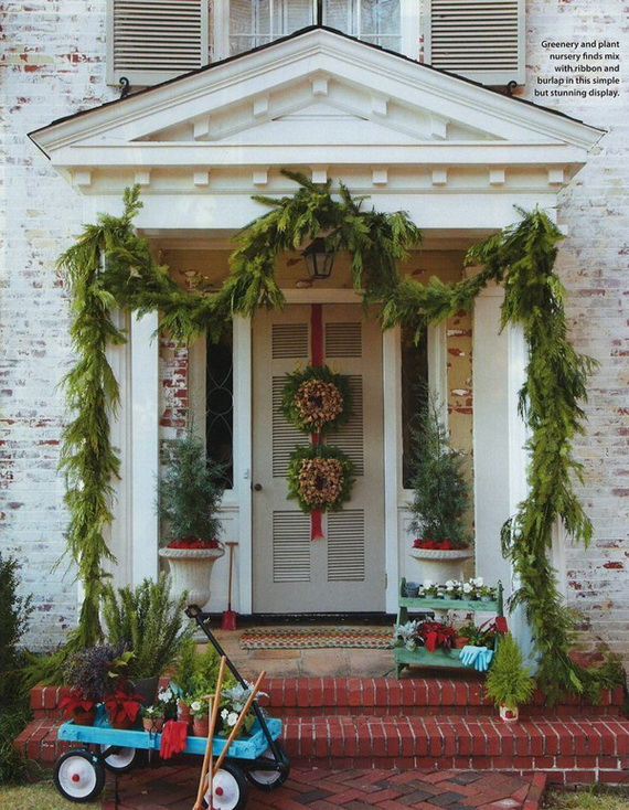 56 Stunning Christmas Front Door Décor Ideas | family holiday.net .