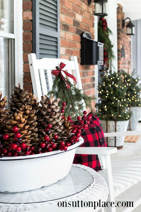 Festive & Frugal Christmas Porch Decor | Frugal christmas .