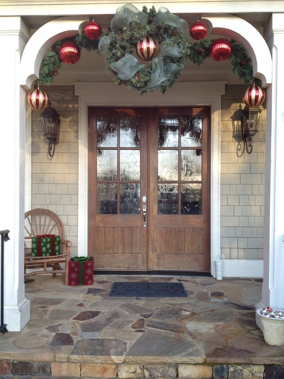 Picture Of adorable christmas porch decor ideas