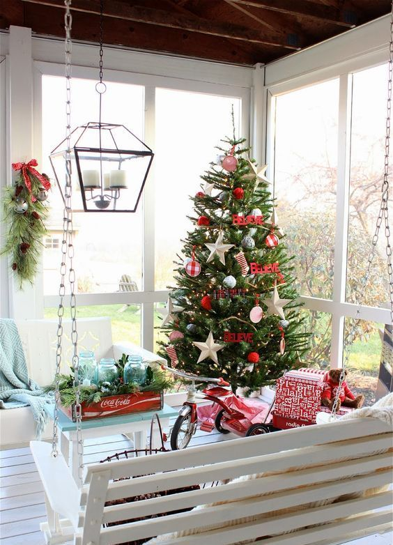 27 Screened And Roofed Back Porch Decor Ideas | Outdoor christmas .