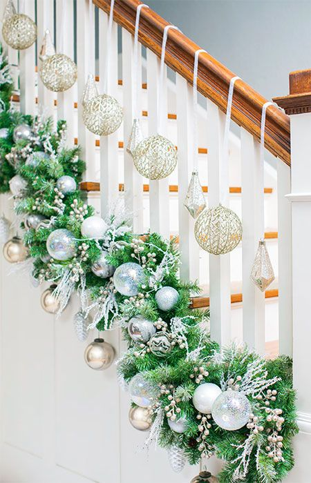 DIY Christmas Garland Ideas | Christmas stairs decorations .