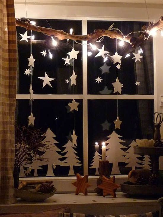70 Awesome Christmas Window Décor Ideas | Christmas window .