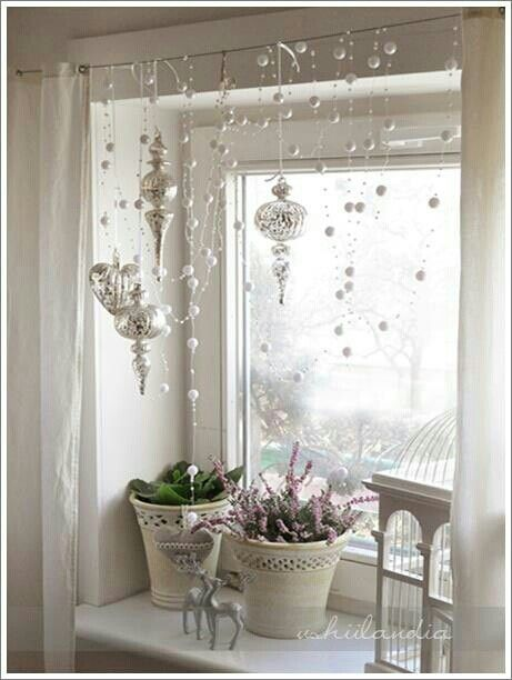 55 awesome christmas window decor ideas | Christmas window .
