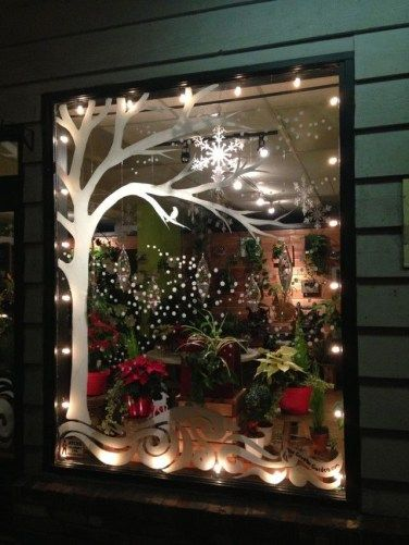 40 Wonderful Christmas Window Decor Ideas (With images .