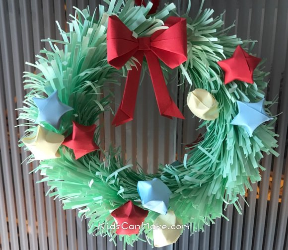 Easy DIY Christmas Wreath Decorating Ideas with Paper - Kids Can Ma