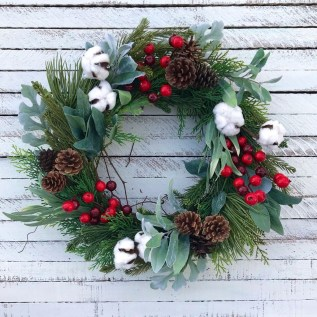 44 Elegant Rustic Christmas Wreaths Decoration Ideas to Celebrate .