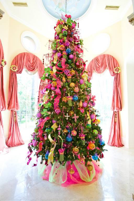 54 Colorful Christmas Inspiring Decor Ideas - DigsDi