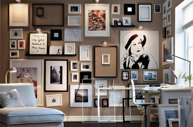 Corner Memorable with Picture Wall