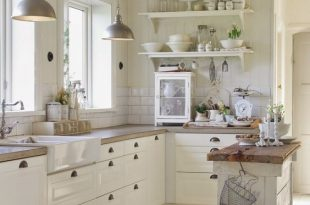 Cute And Quaint Cottage Decorating Ideas | Country kitchen .