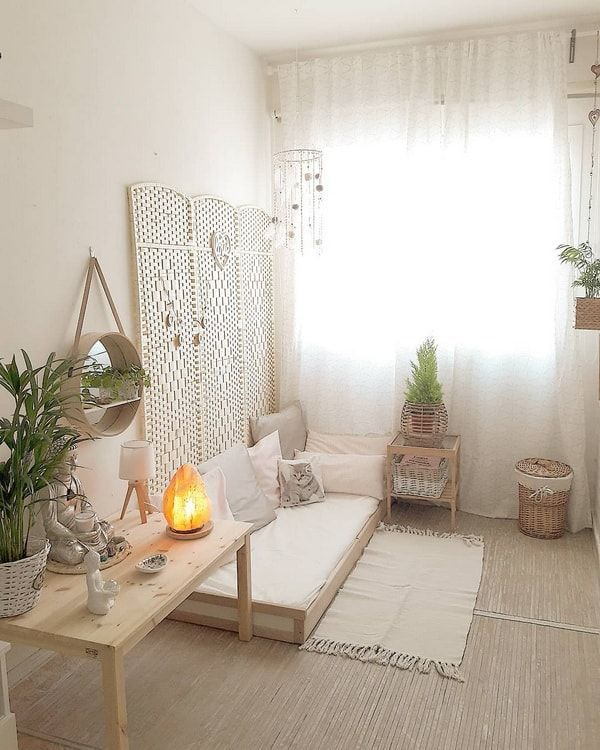 Decorate small spaces Decoration of a mini apartment of 45m2 .