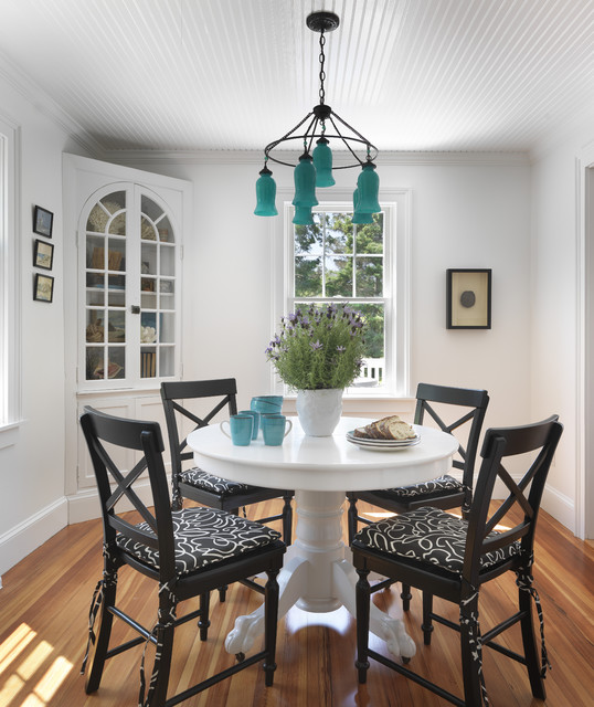 17 Simple But Elegant Small Dining Room Desig