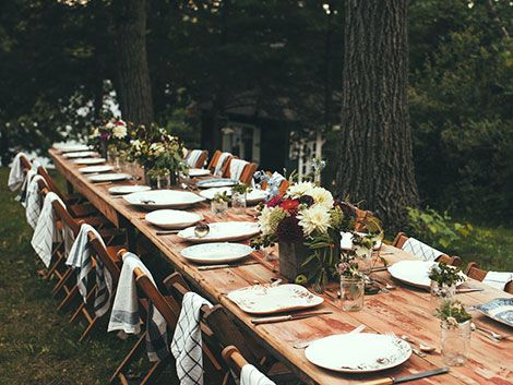 setting an outdoor dinner table | Table-setting-1 | Outdoor dinner .