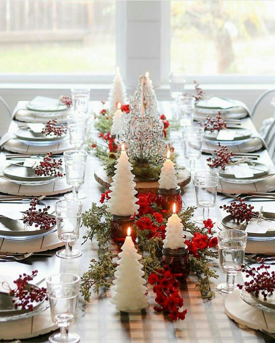 40 Elegant DIY Christmas Table Decorations and Settings Ideas .