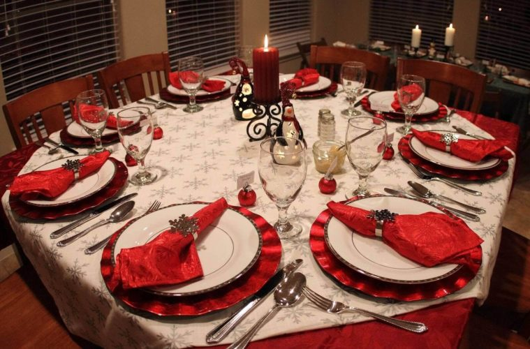 DIY Christmas Table Decoration & Setting Ideas - The Architecture .