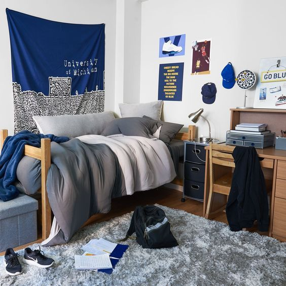 10 Items Your Dorm Needs - Guys Edition - Blue-pry