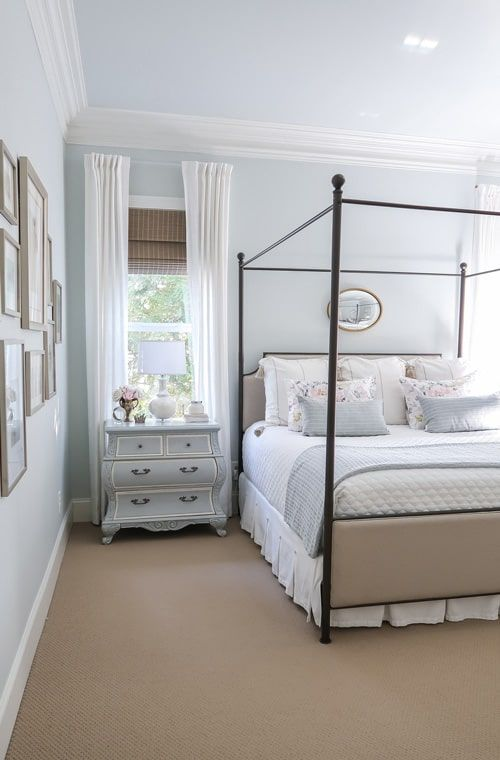 3 Quick Spring Bedroom Updates | Bedroom color combination .