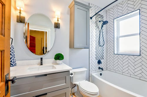 How to make your bathroom more eclect