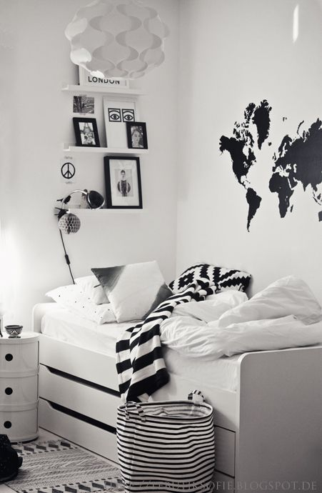 20 Elegant Black and White Bedroom Design Ideas W/ PICTURES .
