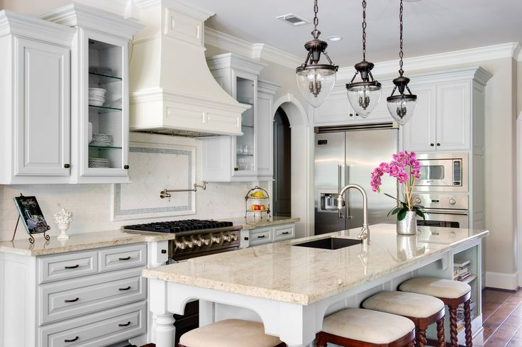 Gray French Kitchen Design - French - Kitch