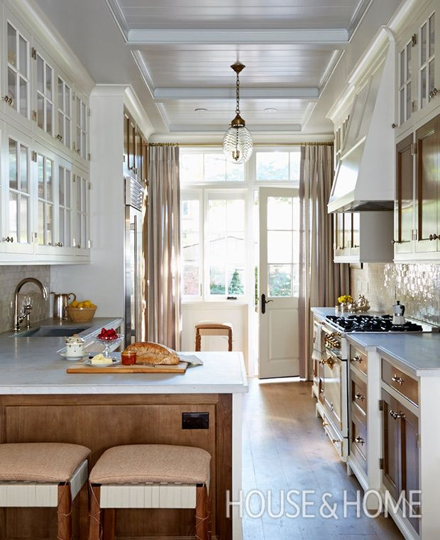 16 Traditional Kitchens With Timeless Appeal | Galley kitchen .