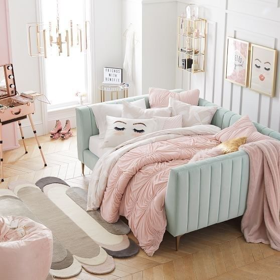 43 cute and girly bedroom decorating tips for girl 15 | Daybed .