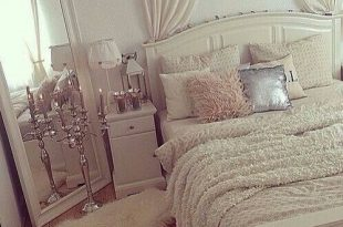 Girly Bedroom Decorating Ideas in 2020 | Home bedroom, Home decor .
