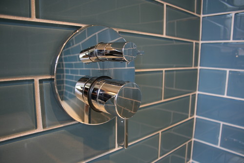 Installing Large Format Glass Tile in a Shower: 10 Steps to Foll