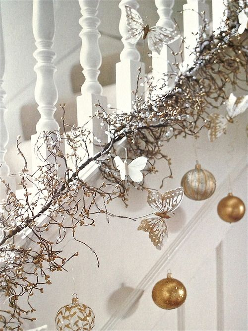 44 Refined Gold And White Christmas Décor Ideas - DigsDi