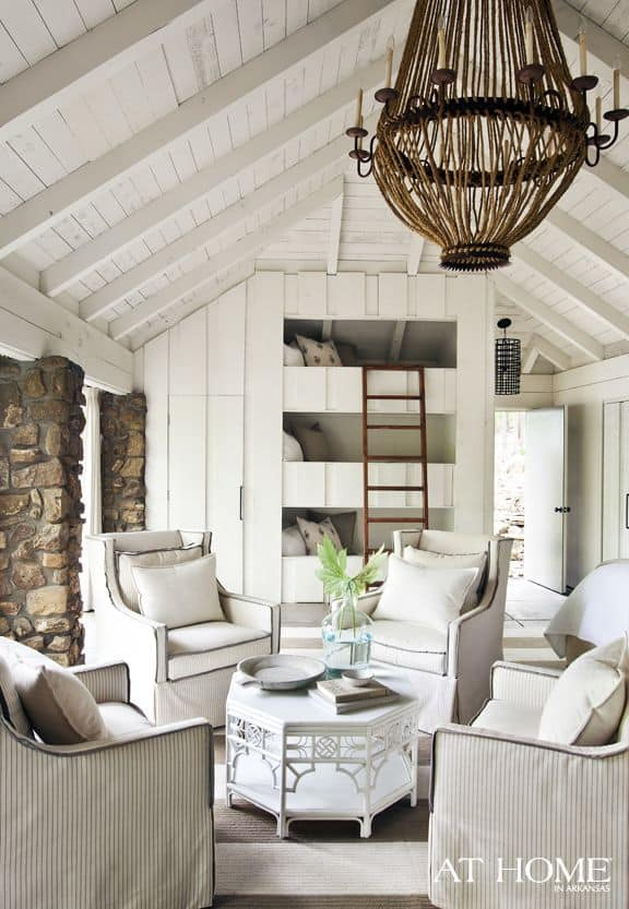 Country Cottage Decorating Ideas With White & Brown Accen