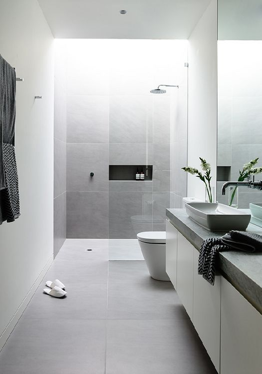 19 Beautiful Showers Without Doo
