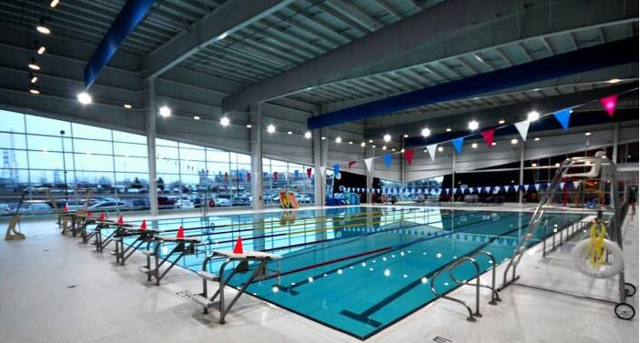 How to Light Up an Indoor Swimming Pool Lighting? | Razorlux Lighti