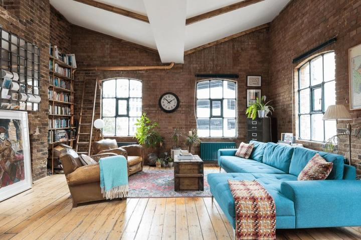 Industrial style penthouse with exposed brick walls in | Kontraba