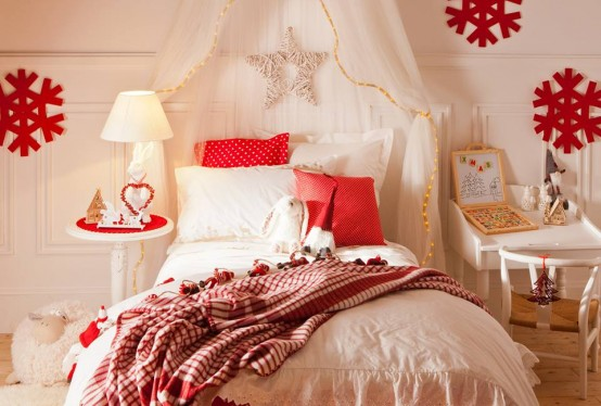 27 Cool And Fun Christmas Décor Ideas For Kids' Rooms - DigsDi