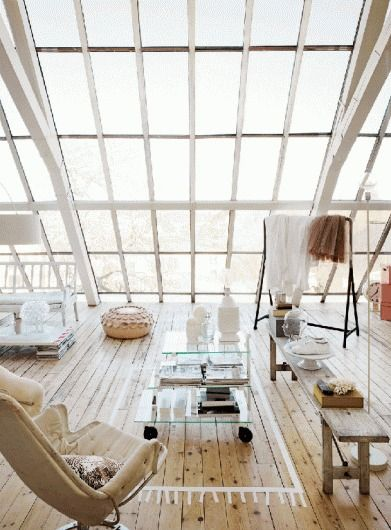 Loft open floor plan with lots of natural light in a bright .