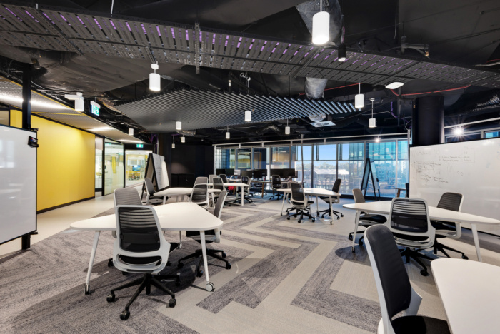 Roads and Maritime Services Offices - Sydney - Office Snapsho