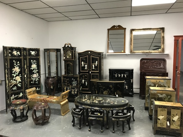 Oriental Rugs & Furniture - Tom Hall Auctio