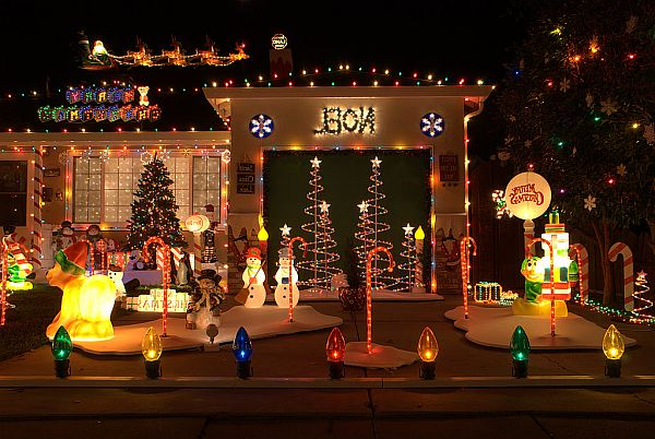 Outdoor Christmas Decorations 20
