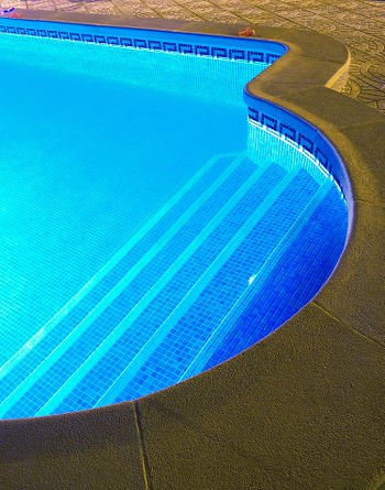 Pool Lighting Options: 7 Bright Ideas | Pool Pric
