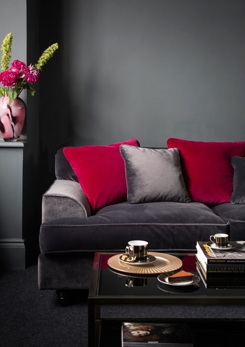 39 Cool Red And Grey Home Décor Ideas - DigsDi