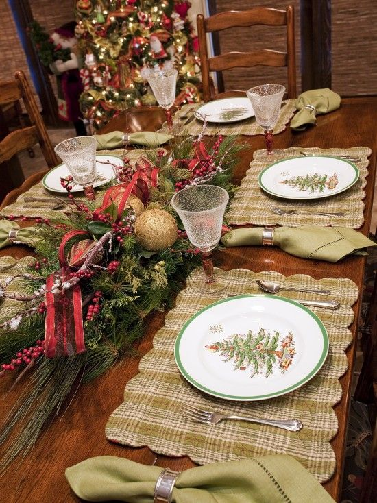 Love this rustic Christmas table setting - repinned from I Love .