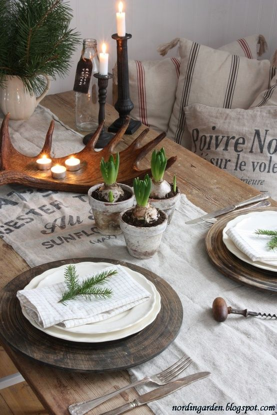 Rustic Table Settings | Christmas table settings, Winter table .