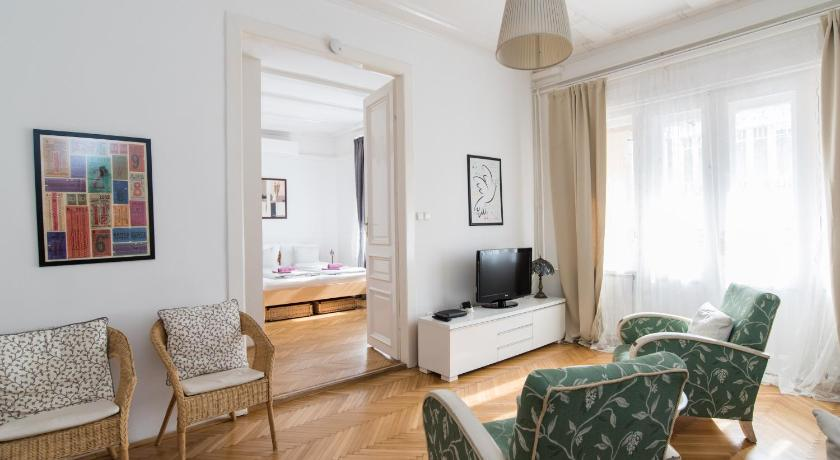 Scandinavian Style Apartment in Budapest - Room Deals, Photos .