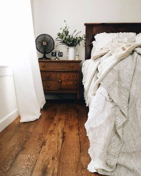 Elect the best vintage accessories for your bedroom | Home bedroom .