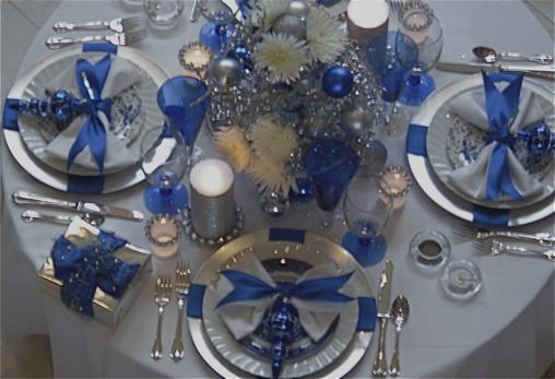 Pin on Christmas: Blue Color Sche