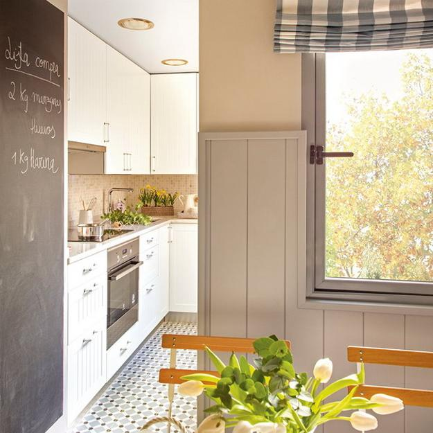 Smart Redesign Ideas for Narrow and Small Kitchen Interio