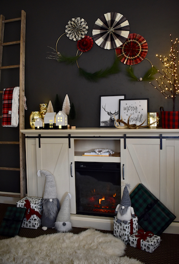 How to Decorate Your Small Space So It's Homey for Christmas .