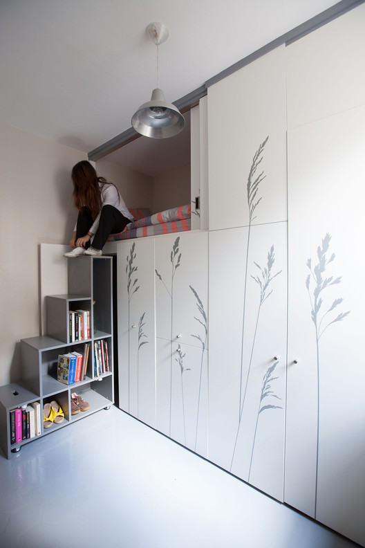 Tiny Apartment In Paris / Kitoko Studio | ArchDai